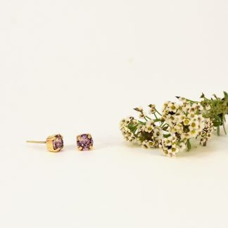 Tiny purple earrings1