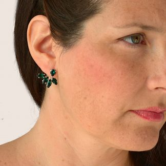 Emerald green earrings1